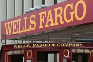 is well fargo open on columbus day